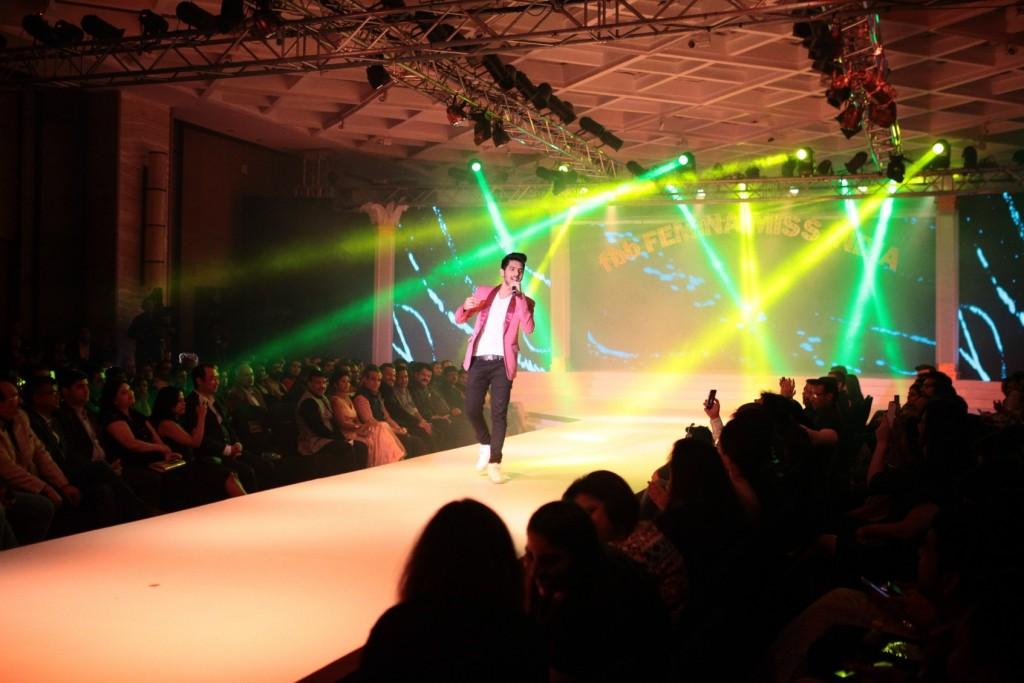 Armaan Malik Performing at Grand Finale of Femina Miss India Delhi Region 2016