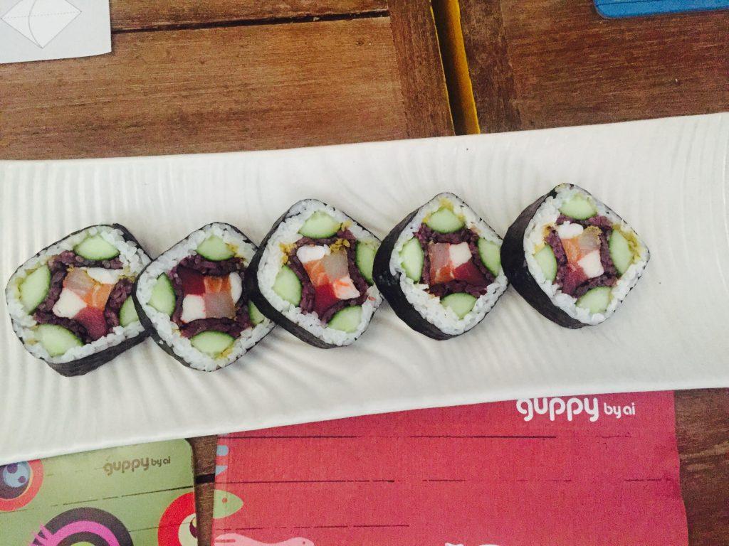 Hanami thick sushi roll