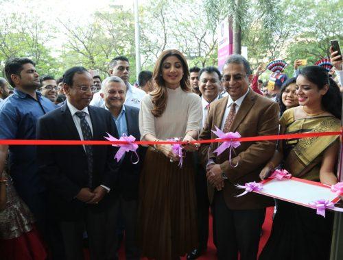 Shilpa Shetty inaugurating cloudnine hospital vashi