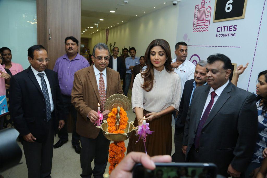 Shlipa Shetty inaugurating cloudnine hospitals Vashi